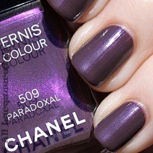 Chanel paradoxal nail color